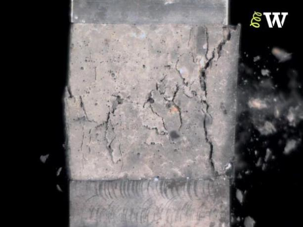 compression failure of ordinary concrete cube test