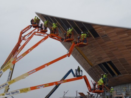 Installing the timber facade of the London 2012 Olympic Velodrome