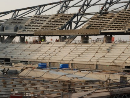 Laying out the cables prior to lift during the construction of the London 2012 Olympic Velodrome